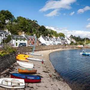 plockton-village-in-the-highlands-scotland-picture-id469061848